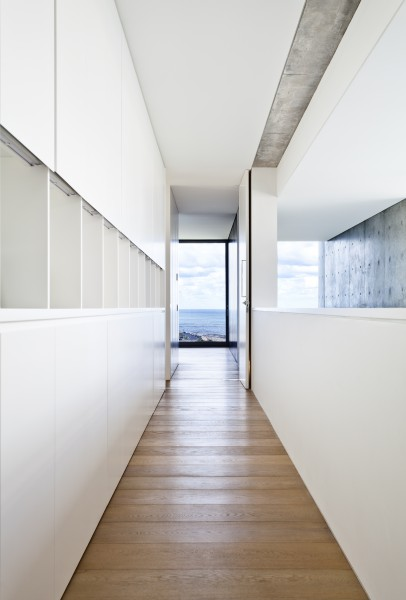Gordon Ave, Coogee hallway storage cupboards