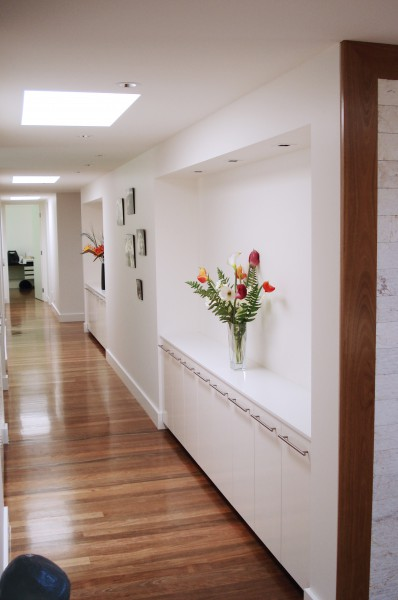 Hastings Rd Terrigal hallway cupboards