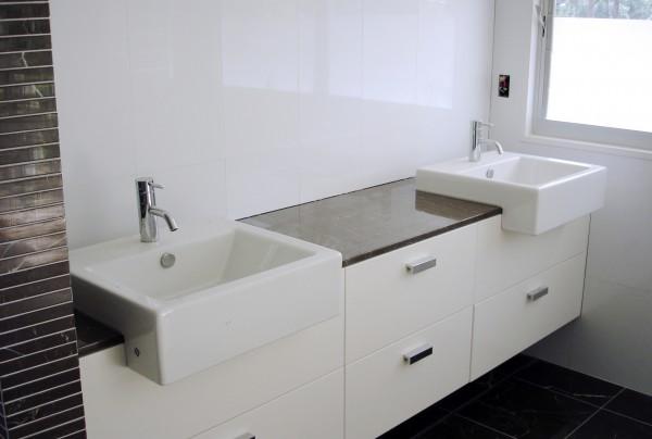 Hastings Rd Terrigal bathroom cabinet