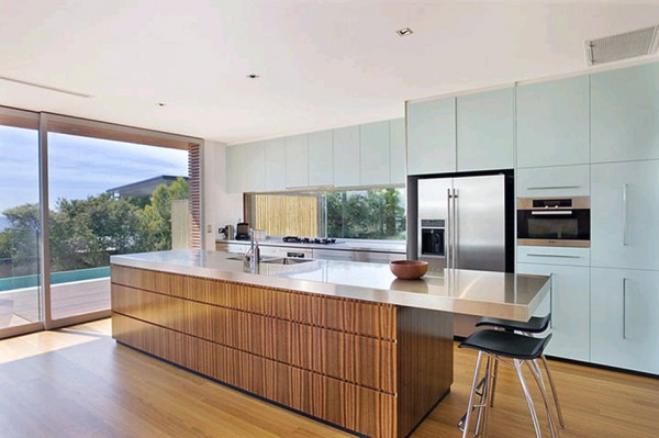 McGee Ave Wamberal kitchen cabinetry